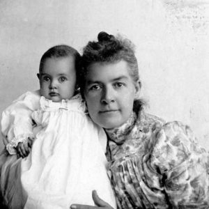Photo of Martha Hughes Cannon with one of her daughters, Mattie.
